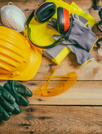 Builders, Plumbers<br> and Electricians